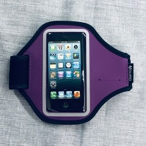 Running band phone holder for iPhone 5